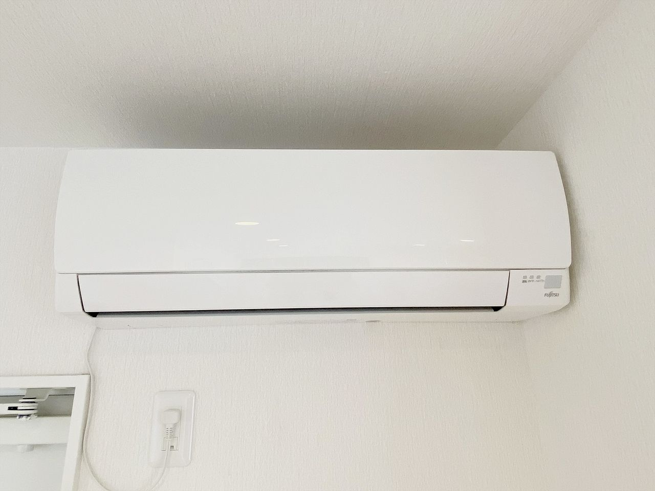豊島区千早の賃貸マンション オーレ池袋西102号室 エアコン1台設置済みです