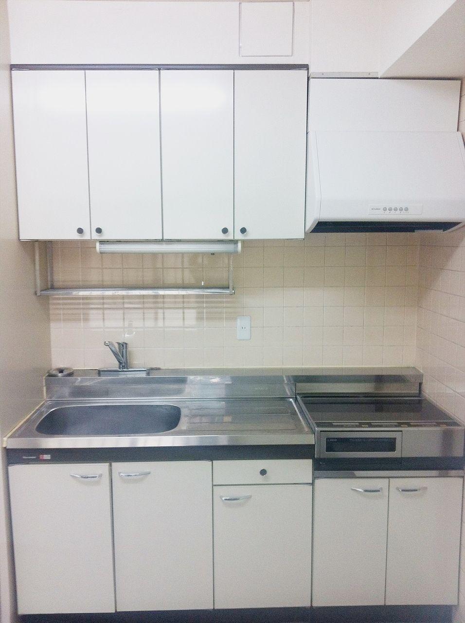 池袋の貸事務所 アゼリア青新ビルのキッチンです。電気コンロ付