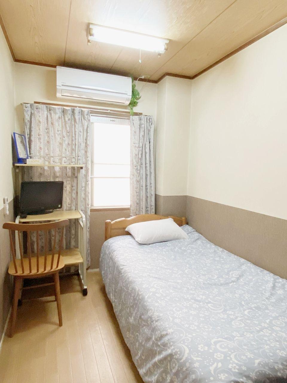 お部屋にはエアコン・ベッド・テレビ付で即入居可能です(仮称)シェアハウス池袋