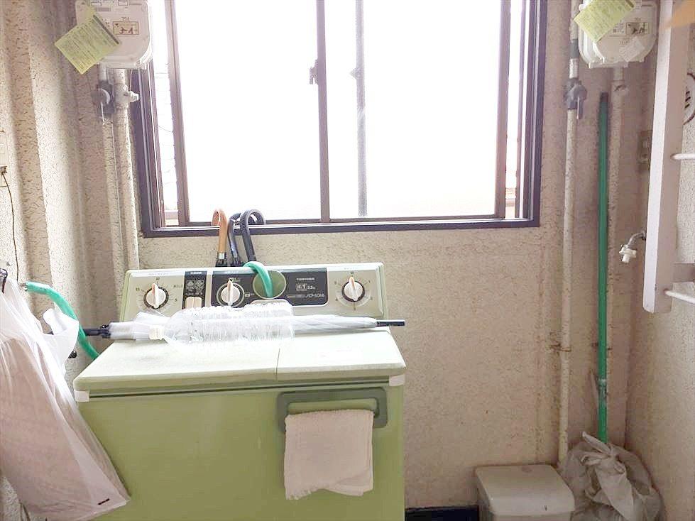 池袋の賃貸マンション サンコーポⅠは廊下に洗濯機置き場があります