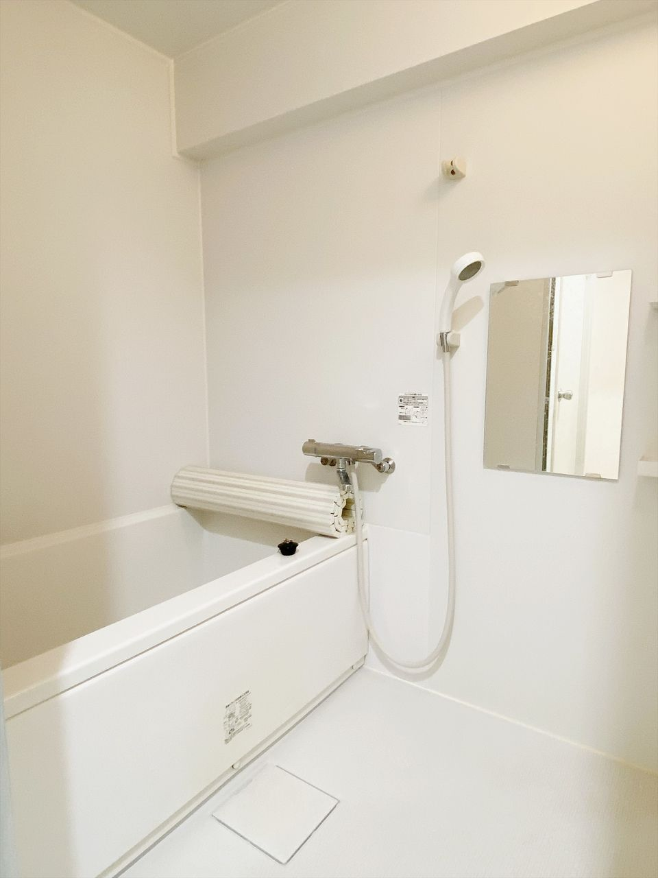 バス・トイレ別のお風呂です。2015年に新品に交換済みです