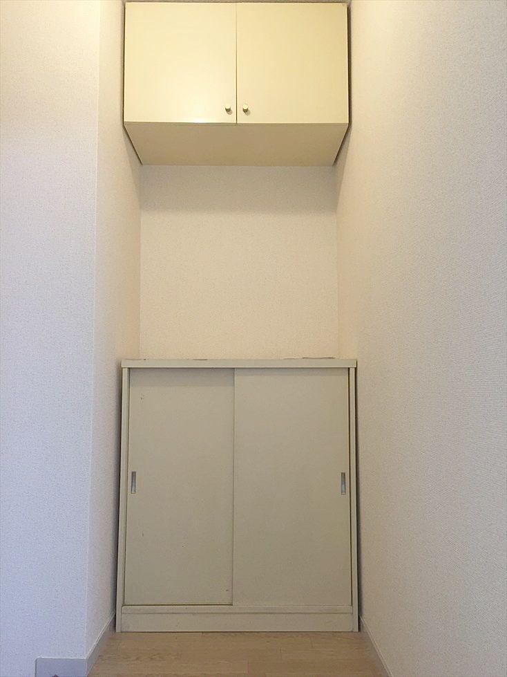 クレインヴィレッジ306号室の玄関には靴箱あります。