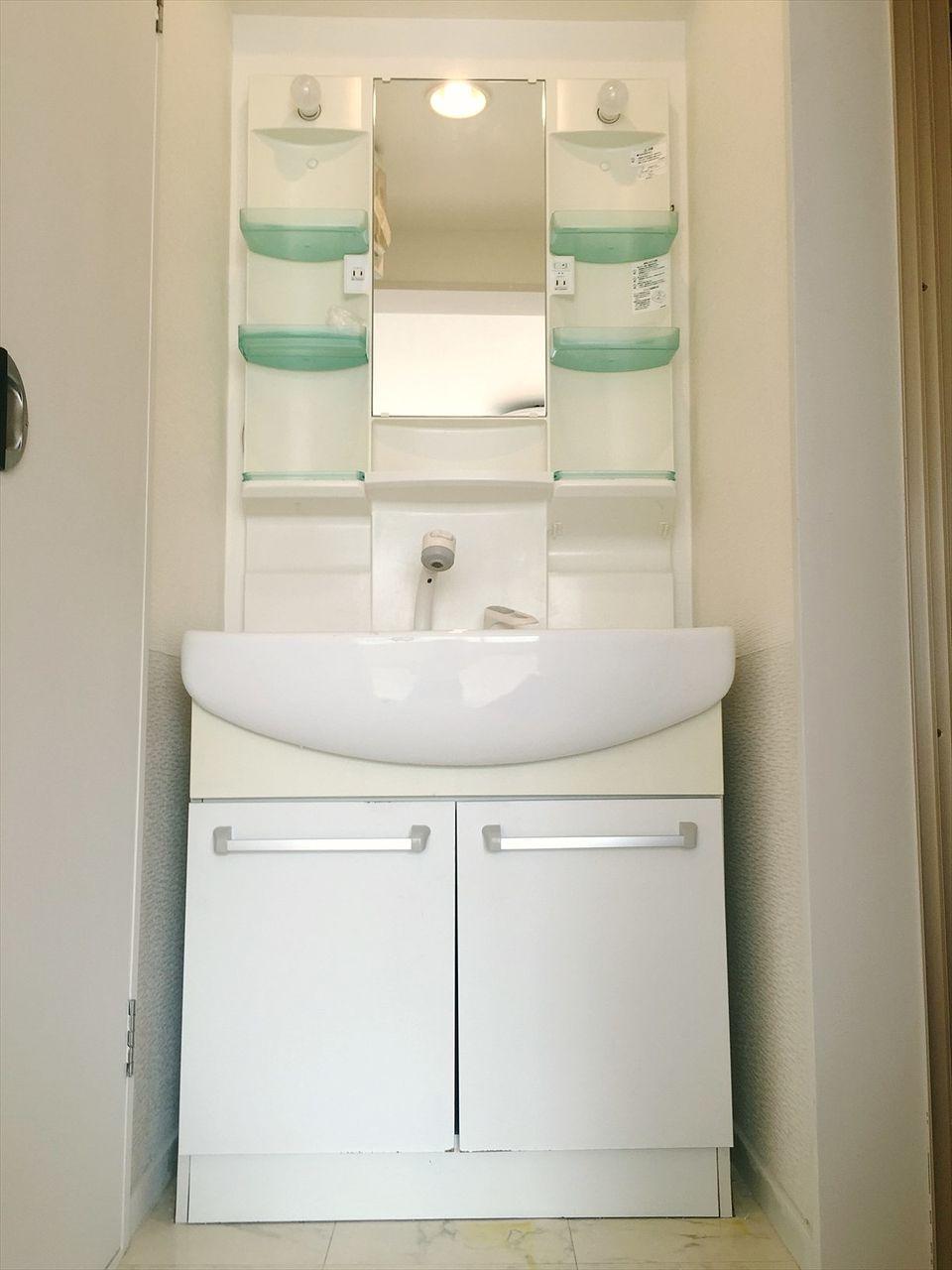 J818ビル4階の独立洗面台