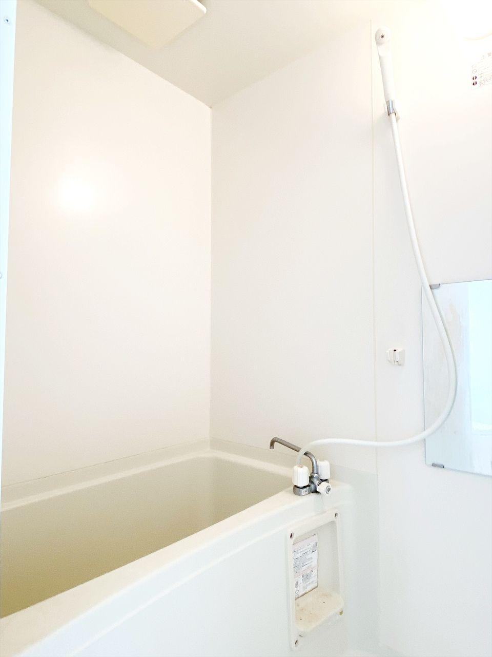 バス・トイレ別です。給湯式のお風呂です