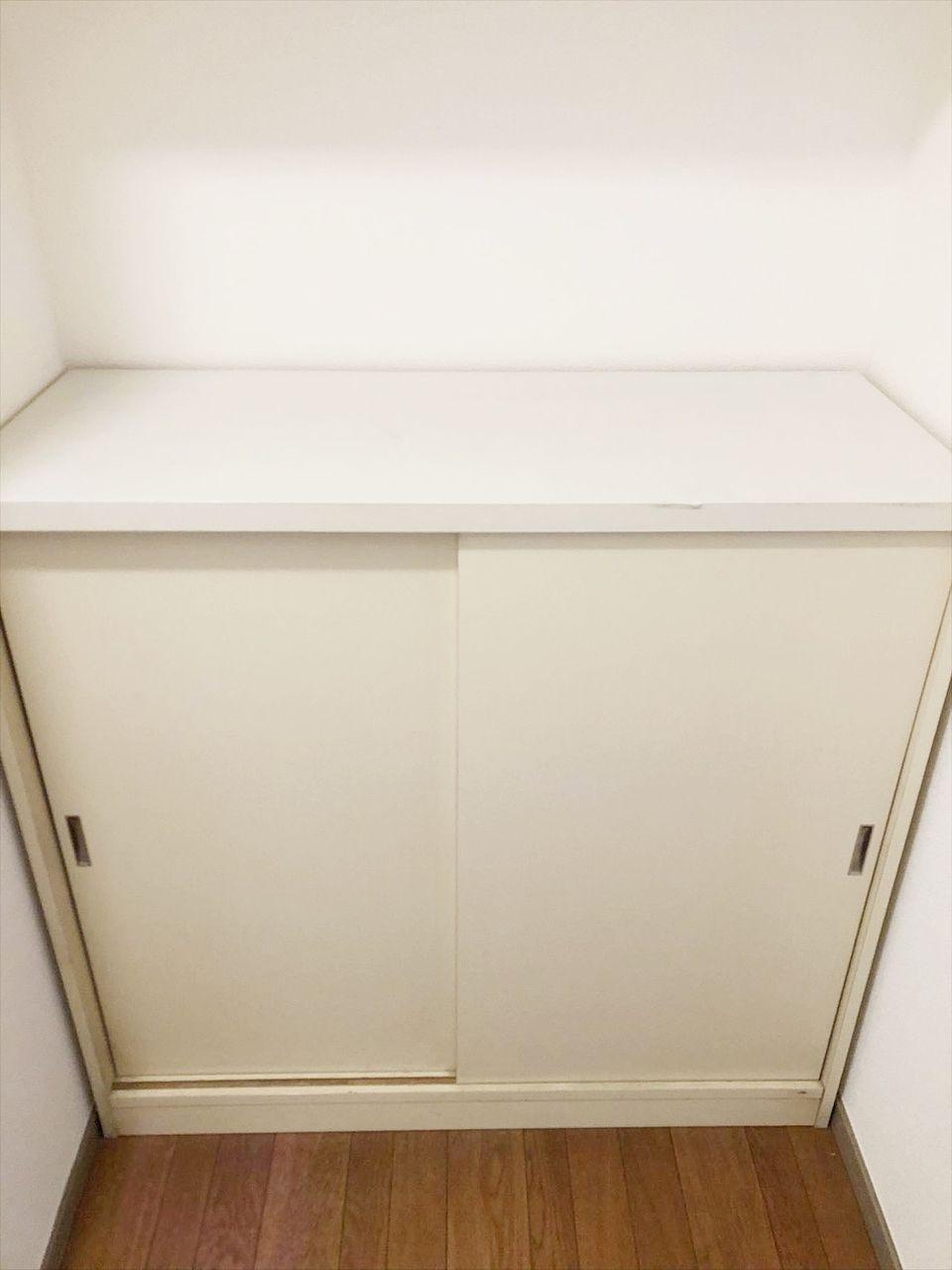 玄関に靴箱あります。 鍵等を置くスペースもあり使いやすい玄関です