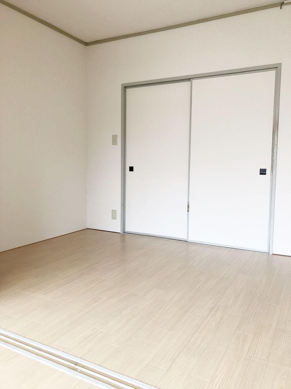 和室を洋室にリフォームしました。(別の部屋の写真です)