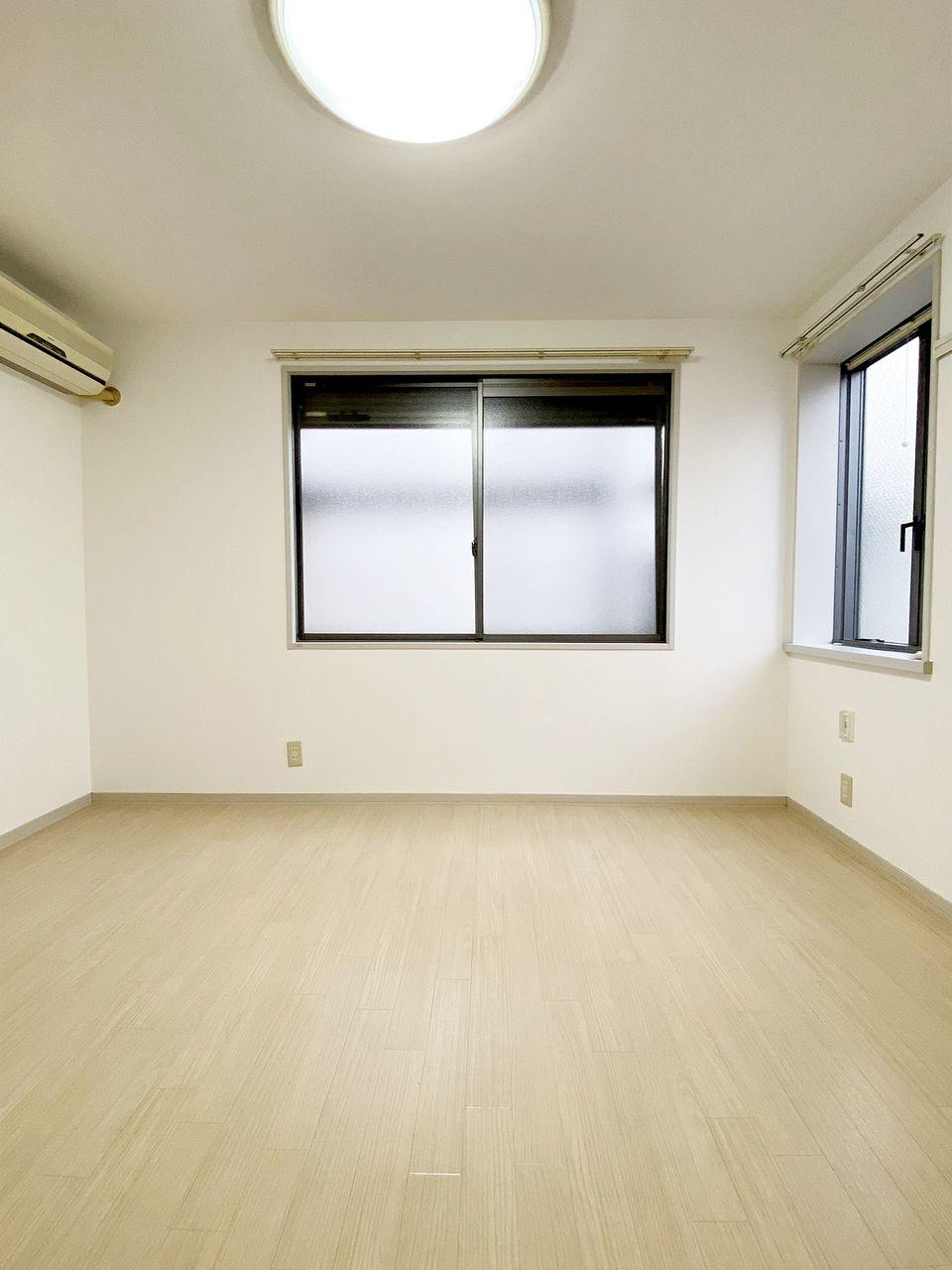 2面採光の明るいお部屋です ソレイユ池袋