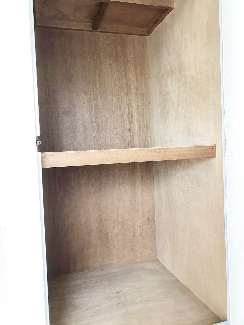 第1江原青木ハイム 奥の洋室の収納です