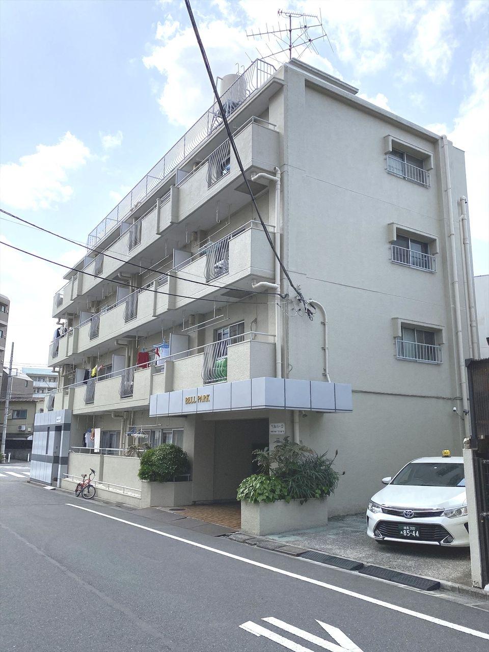 下板橋駅徒歩2分で通勤通学に便利な賃貸マンション ベルパークです。