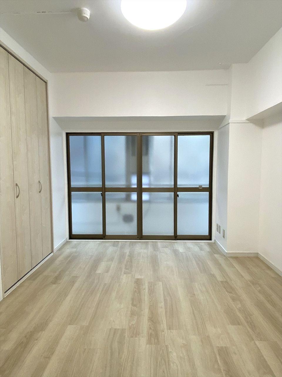 ハセガワハイツは2021年にリノベーションした綺麗なお部屋です。フローリングの洋室6帖で収納多く使いやすいです