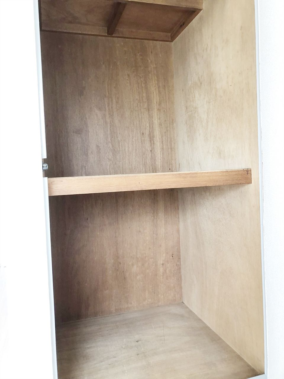 第2江原青木ハイム 奥の洋室の収納です