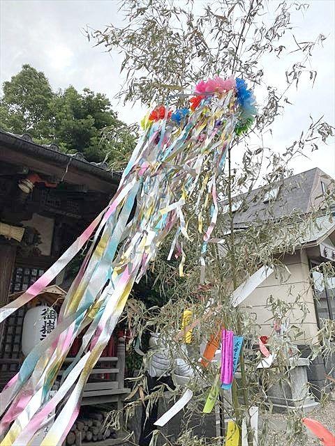 梅雨の中休み 御嶽神社の七夕飾り
