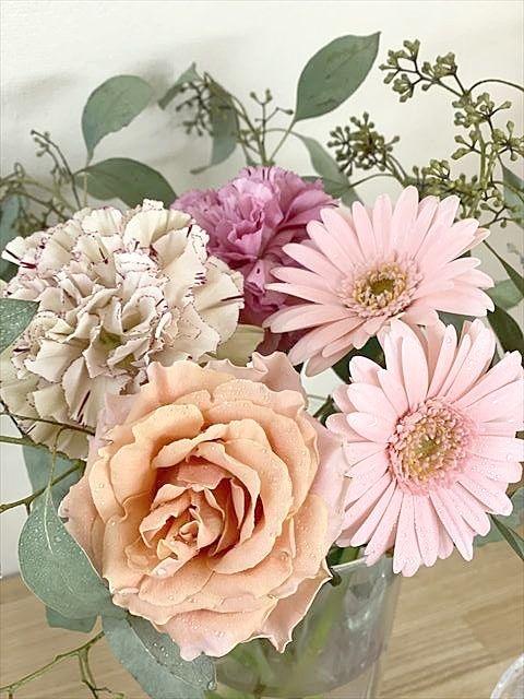 家とオフィスに生花を飾る