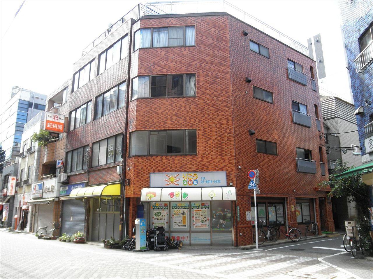 池袋の賃貸マンション 成田ハイツ201号室 2012年リノベーション物件です。バス・トイレ別・フローリング・エアコン2台設置済みです