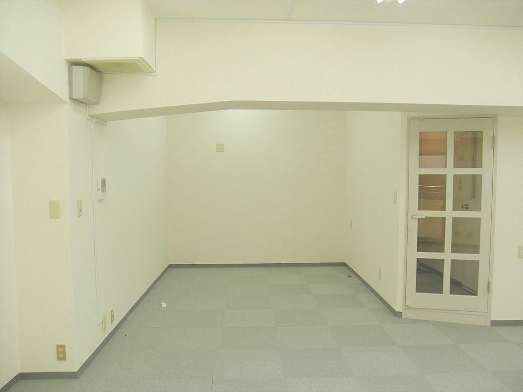 元ダイニングキッチンのスペースが応接スペースにぴったり