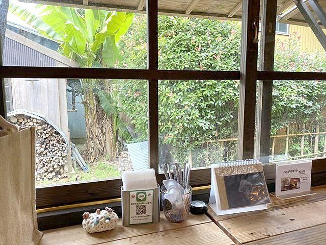 台方麻賀多神社裏手にある森の中にひっそりと佇むカフェ