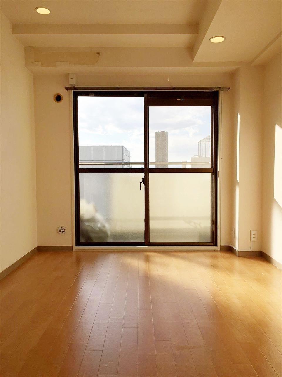 池袋の分譲賃貸マンションです。最上階のお部屋で日当たり良好、晴れた日には富士山も見えます。ファミリー向きのお部屋ですがルームシェアも可能です。